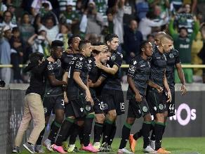 Sporting de Lisboa, con André Carrillo, debutó en la liga venciendo 2-1 a Tondela