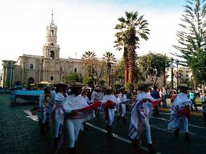 Arequipa: la Ciudad Blanca amaneció con música y baile