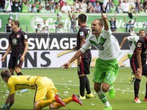 Wolfsburgo, sin Carlos Ascues, vence al Frankfurt de Zambrano en Bundesliga
