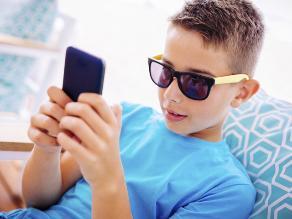 Se duplican casos de ojo seco infantil por uso de smartphones y tablets