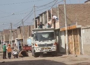 Limpian techos de 5 mil viviendas por el