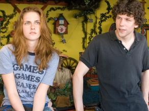 Kristen Stewart y Jesse Eisenberg protagonizan comedia de acción