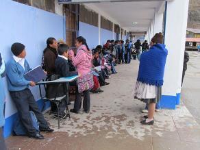 Puno: cerca de 500 niños estudian en mercado de productores de Ilave