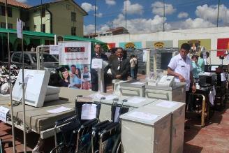 Entregan 53 motos y equipos médicos para policías en el Cusco
