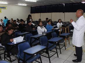 Huancayo: Hospital Carmen reporta mayores ingresos por el SIS en el 2015
