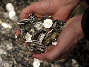 Eurozona aprueba primer tramo de rescate financiero a Grecia
