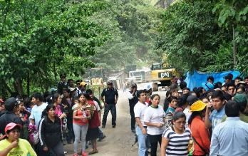 Con bombas lacrimógenas desalojan a invasores de Machu Picchu Pueblo
