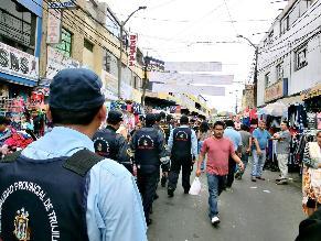 Trujillo: desalojan ambulantes de calle Sinchi Roca