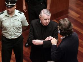 Chile expulsa del país a cura irlandés condenado por abuso sexual