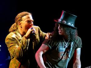 Slash y Axl Rose son amigos otra vez