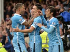 Manchester City ganó 2-0 al Everton y es líder absoluto de la Premier League