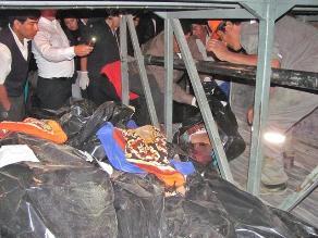 Apurímac: cinco muertos y unos 40 heridos deja caída de bus a abismo