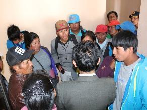 Puno: hacen plantón en rechazo al nuevo director de Ugel Huancané