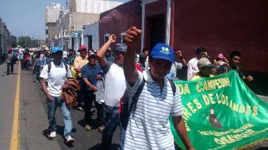 Pobladores de Santiago de Chuco protestaron en Trujillo