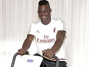 Mario Balotelli regresa al AC Milan y promete alejarse de los escándalos