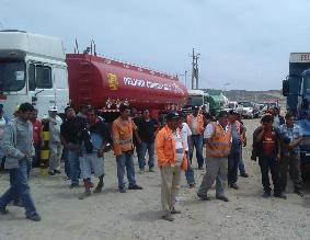 Transportistas acatan paro y dejan de abastecer a grifos del norte