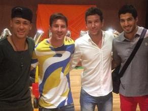 Barcelona: Messi y Luis Suárez animan la fiesta del hijo de Neymar