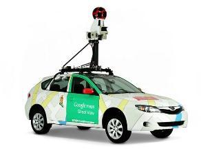 Google confirma destrozos en el vehículo de 'Street View' durante la Tomatina