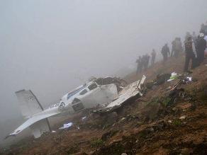 Avioneta se estrella contra cerro en VMT y mueren sus tres tripulantes
