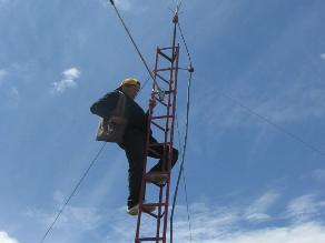 Puno: realizaron medición de radiación de antenas en Juliaca