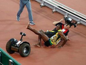 Las imágenes del choque de Usain Bolt con camarógrafo en China