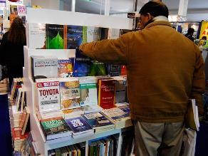 Ejecutivo propone al Congreso norma para evitar alza de libros