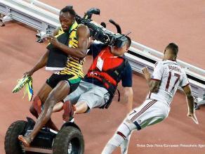 Usain Bolt y los memes que dejó el choque con camarógrafo