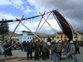 Huamachuco: con bajada de gallardete llega a su fin fiesta patronal