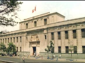 Biblioteca Nacional del Perú celebra 194 años de fundación con homenajes