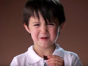 Así reaccionan los niños al probar chocolate amargo