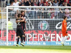 Con Carlos Zambrano: Eintracht Frankfurt golea al Stuttgart en Bundesliga