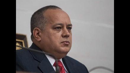 Cabello dice que Santos y Uribe no se diferencian en