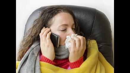 Dormir menos de 6 horas te hace más propenso a resfriarte