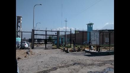 Arequipa: pobladores de Tambo saldrán del penal de Socabaya