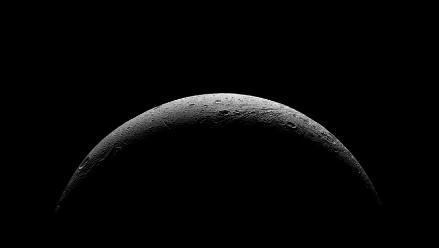 NASA: Luna de Saturno saluda a la sonda Cassini en asombrosa fotografía