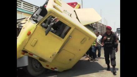 La Libertad: tres heridos en choque de camiones en Simbal
