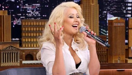 Christina Aguilera se convierte en maestra de canto