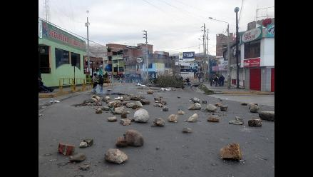Puno: pobladores de San Antón mantienen bloqueada vía interoceánica