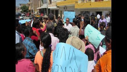 Piura: pobladores de A.H el Indio protestan por instalación de antena
