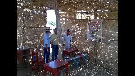 Alumnos de Morrope estudian en esteras y son vulnerables al FEN