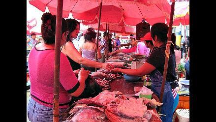 Chiclayo: escasez y precios elevados de pescado por cambio de clima
