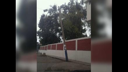 Piura: pobladores de Cieneguillo en peligro por poste de luz con cable expuesto