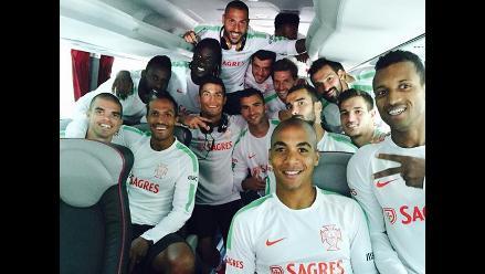 Facebook: Cristiano Ronaldo y Quaresma se divierten en avión