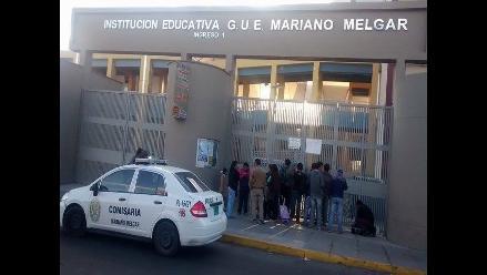 Arequipa: familiares realizaron plantón por estudiante que se suicidó