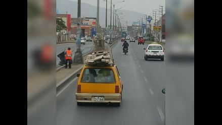 WhatsApp: taxi traslada excesiva carga en Chimbote