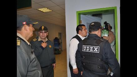 VES: Fallece policía que intentó desactivar explosivo en colegio