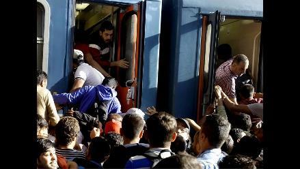 Unos 7.000 refugiados pasaron el lunes por Austria hacia Alemania