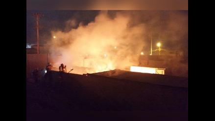 WhatsApp: incendio en fábrica de plástico dejó daños materiales en VES
