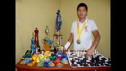Ajedrecista chiclayano campeona en macro regional de juegos escolares