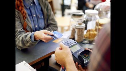 ¿Estás endeudado con más de una tarjeta de crédito? Soluciónalo